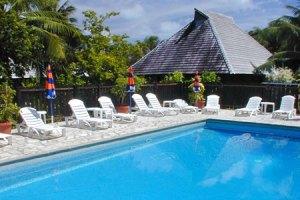 huahine-relais-mahana-piscina