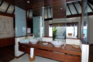 kia-ora-bungalow-spiaggia-de-luxe-bagno