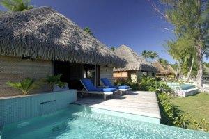 kia-ora-bungalow-spiaggia-de-luxe-con-piscina