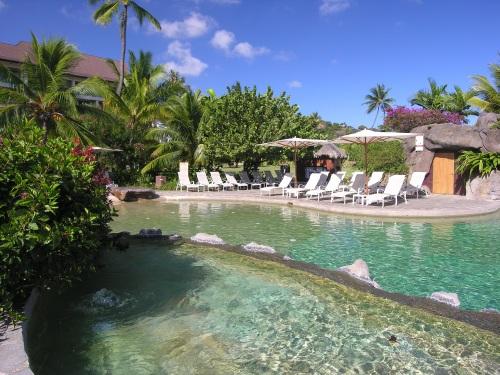 la-piscina-dell-hilton-tahiti
