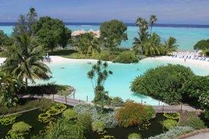le-meridien-tahiti-piscina