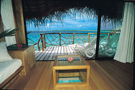 manihi-pearl-interno-overwater