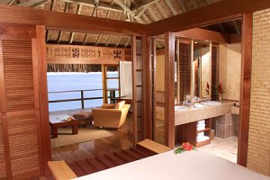 moorea-intercontinental-interno-bungalow-overwater