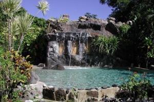 royal-tahitien-la-cascata-della-piscina2